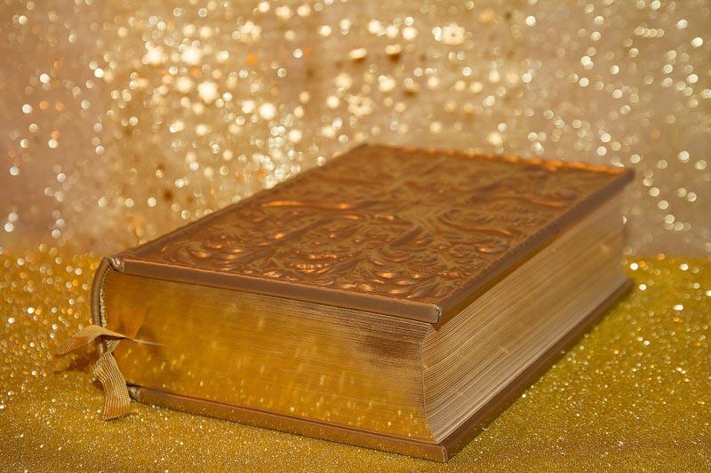 Sind Bücher für dich ein Luxus- oder ein Konsumgut? Für mich gibt es eine eindeutige Antwort, die du hier erfährst.
