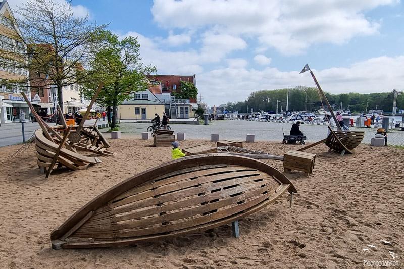 Spielplatz Travemünde Vorderreihe